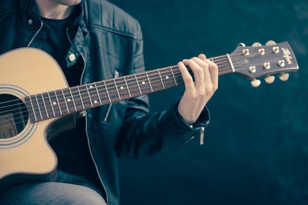 Las 10 Mejores Guitarras Acústicas